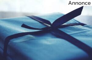 blå gave med bånd